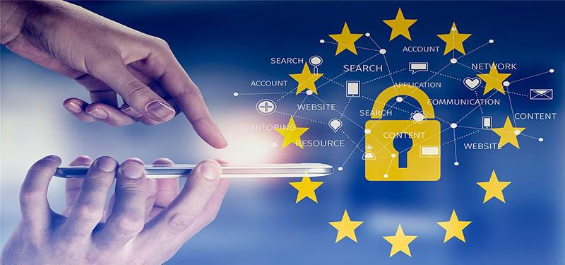 Varstvo osebnih podatkov in zasebnost